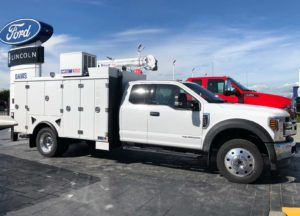 vinyl-labsFord-F-550-Utility-Truck-after